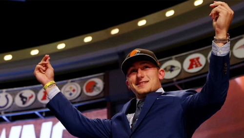 Concussed Johnny Manziel spotted gambling in Las Vegas