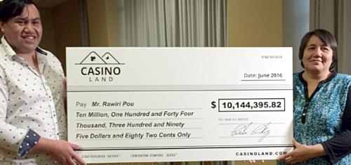 New Zealand KFC worker wins $10.1m playing online slots at Casinoland