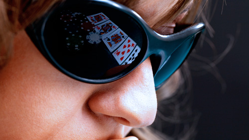 Phil Hellmuth & Co on The 'Should Poker Organisers Ban Sunglasses' Debate