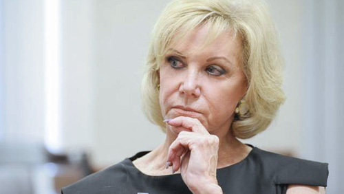 Judge bars Elaine Wynn's lawyers from suit over $900M stake