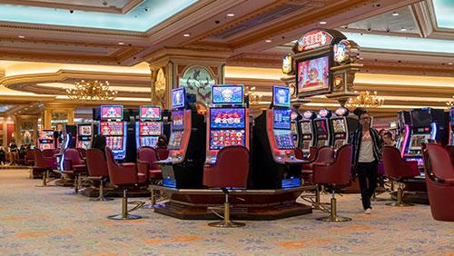 Macau legislators submit bill barring casino employees from gambling
