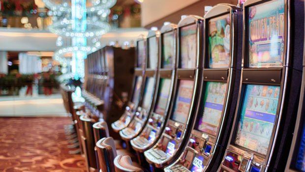Victoria gov't draws flak over Crown Casino special swipe cards