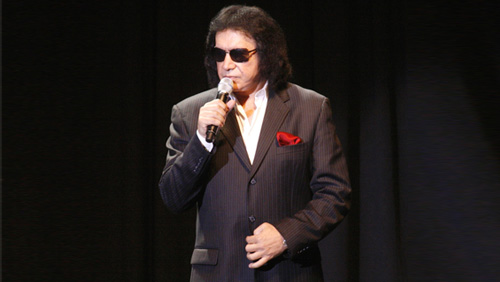 Gene Simmons takes the center stage at celebrity poker tournament