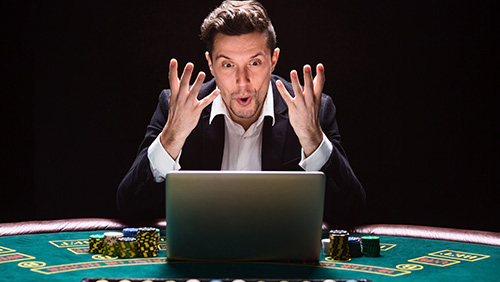 According to Twitter users, poker players are unethical